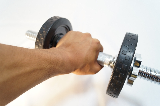自宅での筋トレ効果をぐっと高めるダイエット器具10選